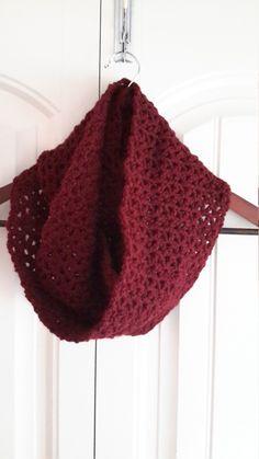 Écharpe douce au crochet pour femme, foulard long, cache-cou, foulard double tour, écharpe d'hiver, foulard chaud, foulard bourgogne de la boutique Agadoux sur Etsy