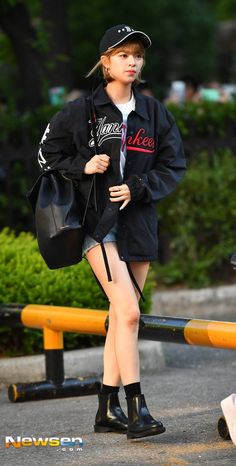 Twice-Jeongyeon 170526 Music Bank Arrival