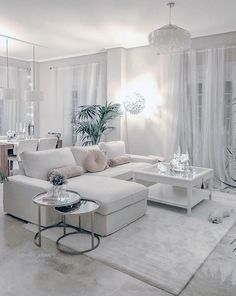 All White glam living room decor with white sectional Sitting Room Decor, Table Decor Living Room, Glam Living Room, Cozy Living Rooms, Bedroom Decor For Teen Girls, Teen Room Decor, White Wall Bedroom, White Sectional, Couches