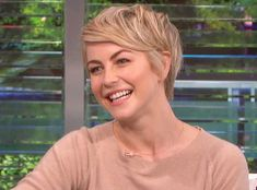 Julianne Hough Talks Wonderful New Boyfriend Brooks Laich, Admits It's a Challenge Maintaining Her Body Grown Out Pixie, Pixie Cut With Bangs, Long Pixie Cuts, Short Hair Cuts, Short Hair Styles, Cut Bangs, Short Pixie, Short Hairstyles 2015, Pixie Hairstyles