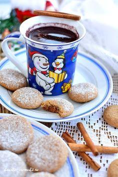 Turtă dulce aromată - reţeta de post Coffee Maker, Gluten, Tableware, Nicu, Ornament, Sweets, Coffee Maker Machine, Coffee Percolator, Dinnerware