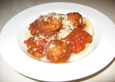 The Little Bitchin Kitchen: Homemade Spaghetti Sauce with Meatballs Homemade Spaghetti Sauce, Pasta Sauces, Meatball Recipes, Main Meals, Ethnic Recipes, Kitchen, Food, Cooking, Sauces For Pasta