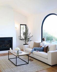Home Living Room, Living Room Designs, Living Room Decor, White Couch Living Room, Modern Minimalist Living Room, Living Room Contemporary, Contemporary Decor, Dining Room, Living Room Neutral