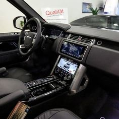 Range Rover My2018 3.0l Tdv6 Hse Fuji White-ebony Jm935 - Buy Hse Tdv6 Fuji White Product on Alibaba.com Used Luxury Cars, Luxury Cars For Sale, Range Rover White, 40ft Container, Car In The World, Rear Seat, Fuji, Cake Sparklers, Diesel