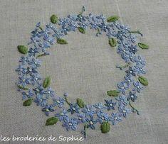 Le pouvoir des fleurs Octobre 2013 - Les Broderies de Sophie #embroidery #flowers #wreath