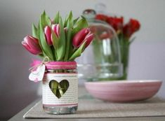 Decorating ideas for spring heart and tulip