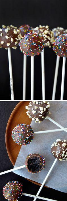 No-Bake Chocolate Cookie Pops #recipe