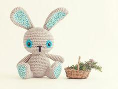 Amigurumi Bunny - FREE Crochet Pattern / Tutorial ༺✿ƬⱤღ  https://www.pinterest.com/teretegui/✿༻