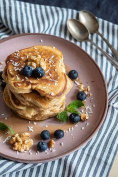 Fluffige Apfel-Pancakes mit allem Drum & Dran | scones & berries