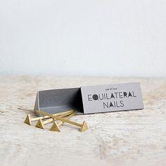 Caravan Pacific - Equilateral Nails