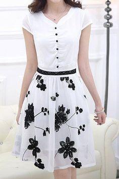Ladylike V-Ausschnitt Kurzarm Spleiß Chiffon bedrucktes Damenkleid - Duds Chiffon Dress, Dress Skirt, Skirt Outfits, Waist Skirt, High Waisted Skirt, Pretty Dresses, Beautiful Dresses, Modest Fashion, Fashion Dresses
