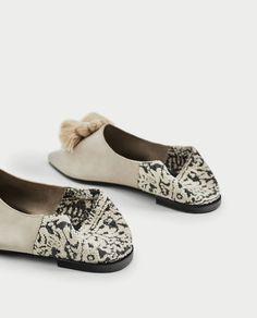 PLATTE LEREN SCHOENEN MET KWASTJES-Platte schoenen-SCHOENEN-DAMES | ZARA  Nederland