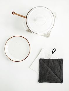 DIY Linen Potholders @themerrythought