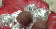 1 ζαχαρούχο  1 πακέτο πτι-μπερ τριμμένο σε σκόνη  140 γρ. ινδοκάρυδο  1/2 πακέτο βιτάμ  250 γρ. κουβερτούρα   Σε ένα μπολ ενώνουμε όλα τα ...
