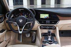 #AlfaRomeo #Giulia zaprojektowana by stanowić naturalne przedłużenie ciała kierowcy. #LaMeccanicaDelleEmozioni