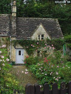 Bibury cottage, Cotswolds