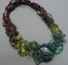 bb / gilbert.JPG. This necklace is by Beverley Ash Gilbert - one of my favourite bead artists. Curleytop1.