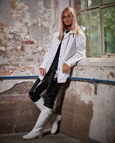 Vinyl Raincoat, Pvc Raincoat, Plastic Raincoat, Wellies Rain Boots, Vinyl Leggings, Long Leather Coat, Rain Suit, Rain Gear, Raincoats For Women