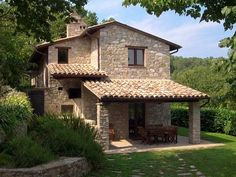Historic Villa Rosaspina:veranda,dining table,stone barbecue,old wood-fired oven