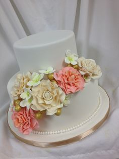 Awesome Kreation From Our Sister Company Kake Kreations In Whitby ON Kakekreations SistersAwesomeWedding CakesRecipes