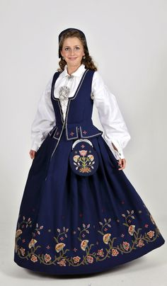"""Vest-Oppland bunad"" from Vest-Oppland (west in Oppland), Norway (I think blue is the only color on this bunad) Folk Costume, Costumes, Norway Language, Norwegian Clothing, Norwegian Vikings, Native Wears, Edwardian Dress, Miss Dress, Traditional Dresses"