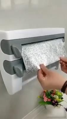 😍No More Rips and Tears! In 5 Seconds or Less, Easily cut foil and plastic wrap to store your food left overs! Cool Kitchen Gadgets, Home Gadgets, Cooking Gadgets, Kitchen Items, Home Decor Kitchen, Kitchen Hacks, Kitchen Furniture, Cool Kitchens, Bakers Kitchen