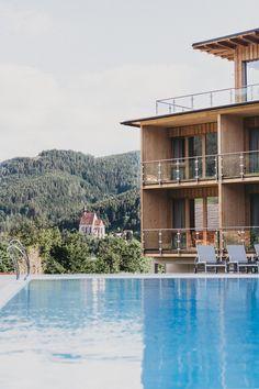 Ganzjährig entspannen und sich treiben lassen im beheizten Ausenpool des Hotel Molzbachhof **** #molzbachhof #entspannung #wellness #hotelmolzbachhof