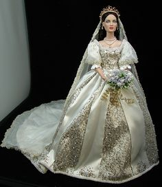 Tonner Queen of Hearts wears Faberge Natalia's gown by Loves Dolls, via Flickr