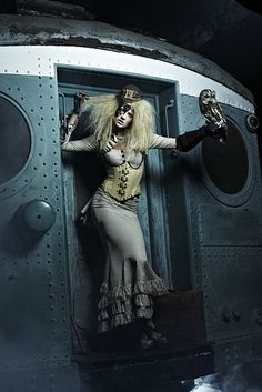 """Cycle #19: when the models had to pretend they knew what steampunk is. 
