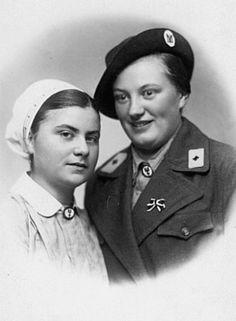 "Résultat de recherche d'images pour ""drk nurse ww2"" German Girls, German Women, The Third Reich, Ww2, World War, Nurses, Lady, Germany, Red Cross"