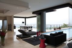 House Lam: A Modern Contemporary Residence