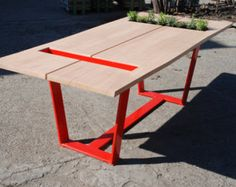 Handgefertigte Esstisch. Zeitgenössisches Design von Poppyworkspl