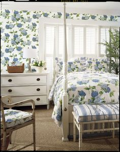 Hydrangea wallpaper and fabric from #boathouse #thibaut