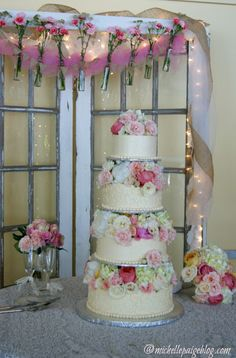 michelle paige: Rustic Wedding Reception--I LOVE the decor behind the cake table!