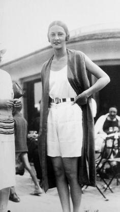 "lesanneeselegantes: "" Photo by Seeberger brothers "" 20s Fashion, Vogue Fashion, Fashion Photo, Vintage Fashion, Fashion Details, Harlem Renaissance, The Beautiful And Damned, Art Deco, Magic Realism"