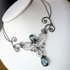A Night At La Scala Necklace | JewelryLessons.com