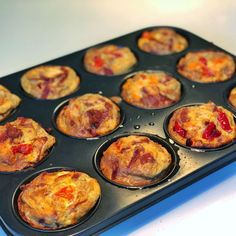 Pizza Muffins, Breakfast Snacks, Lchf, Pepperoni, Tapas, Keto Recipes, Bacon, Party, Brunch