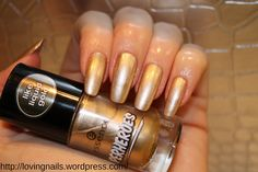 essence https://lovingnails.wordpress.com/2015/01/12/vernis-essence-wonder-wow-man-05-de-la-collection-superheroes/