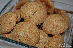 Coconut oat cookies vegan - lalena - used half the baking soda, oil. Added dried fruit and nuts. Vegan Sweets, Healthy Sweets, Healthy Dessert Recipes, Cake Recipes, Vegan Food, Healthy Biscuits, Romanian Desserts, Oat Cookies, Cookies Vegan