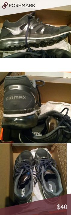 Nike Air Max sneakers EUC too narrow for my fat feet Nike Shoes Athletic Shoes