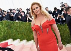 Amy Schumer Is Blocking Twitter Users Asking Why She Employs A Rape Apologist