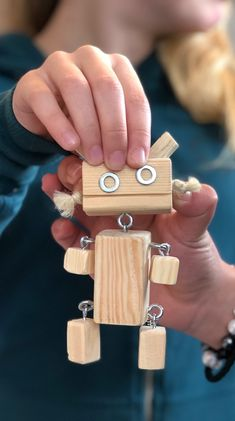 pin… – Toy www. Woodworking Business Ideas, Woodworking Projects For Kids, Custom Woodworking, Wood Projects That Sell, Small Wood Projects, Fun Projects, Wooden Crafts, Recycled Art, Wood Toys