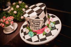 Alice in Wonderland bridal shower cake