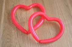 Herzen aus Modellierballons basteln