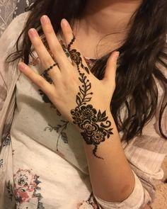 60 Ideas tattoo flower rose artists for 2019 Henna Tattoo Designs Simple, Henna Art Designs, Stylish Mehndi Designs, Mehndi Designs For Girls, Unique Mehndi Designs, Mehndi Designs For Fingers, Beautiful Mehndi Design, Latest Mehndi Designs, Henna Tattoo Hand