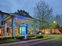 Corvallis (OR) Holiday Inn Express Corvallis-On the River United States, North America Holiday Inn Express Corvallis-On the River is perfectly located for both business and leisure guests in Corvallis (OR). The hotel offers a wide range of amenities and perks to ensure you have a great time. Free Wi-Fi in all rooms, 24-hour front desk, facilities for disabled guests, express check-in/check-out, meeting facilities are on the list of things guests can enjoy. Guestrooms are desig...