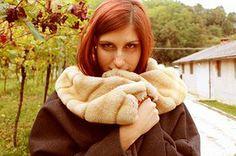 Sara Florio | AI DONNA 13/14 Giacca in lana grigia foderata con collo in pelliccia, fatto a mano.