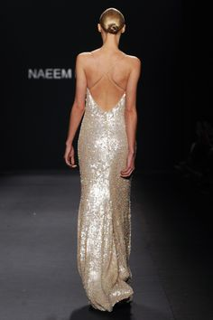 Naeem Khan consider for a bridesmaid dress. For your glam day to evening wedding. These dresses will sparkle in the sun. Keep the hair up, chignon or bun for a elegant classy look Style Couture, Couture Fashion, Runway Fashion, Moda Fashion, High Fashion, Luxury Fashion, Flower Girls, Beautiful Gowns, Beautiful Outfits