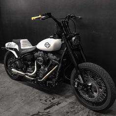 Harley Davidson News – Harley Davidson Bike Pics Harley Davidson Custom, Harley Davidson Fat Bob, Harley Davidson Street Glide, Harley Davidson Sportster, Dyna Club Style, Bobber Motorcycle, Girl Motorcycle, Motorcycle Quotes, Motorcycle Garage