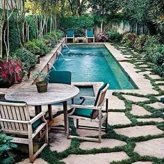 Numerous homeowners are looking for small backyard patio design ideas. Those designs are going to be needed when you have a patio in the backyard. Many houses have vast backyard and one of the best ways to occupy the yard… Continue Reading → Small Backyard Design, Small Backyard Pools, Backyard Patio Designs, Small Pools, Deck Design, Garden Design, Design Design, Modern Backyard, Small Backyards